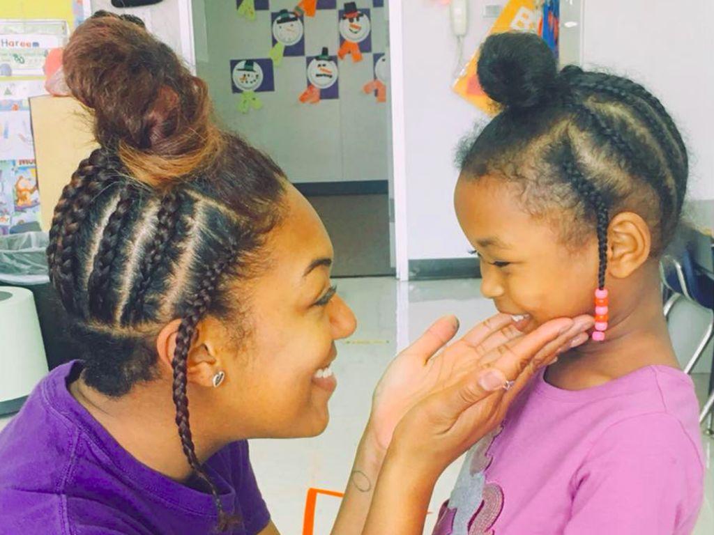 Saat Model Rambut Guru Kembaran dengan sang Murid