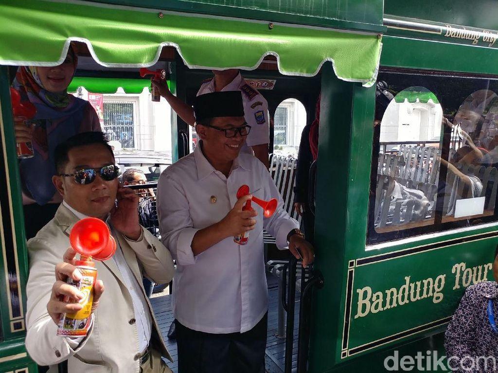 Resmikan Boseh dan Bandros, Ridwan Kamil: Solusi Wisata Tanpa Macet