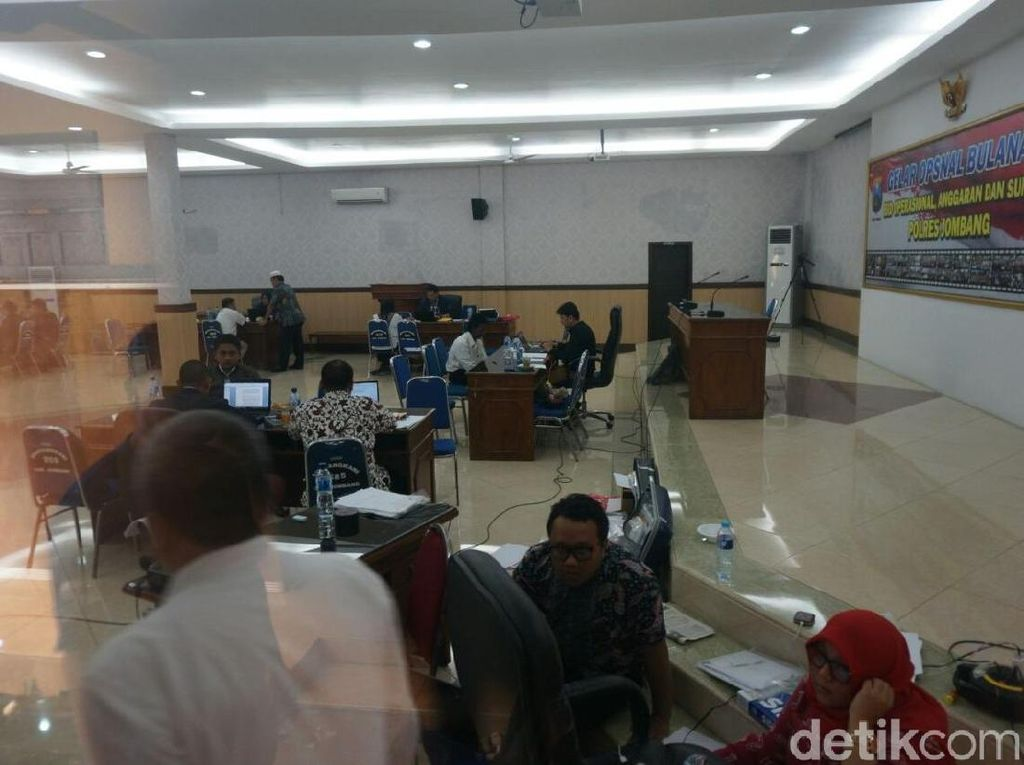 Pasca OTT Bupati Jombang, KPK Periksa Pejabat Pemkab