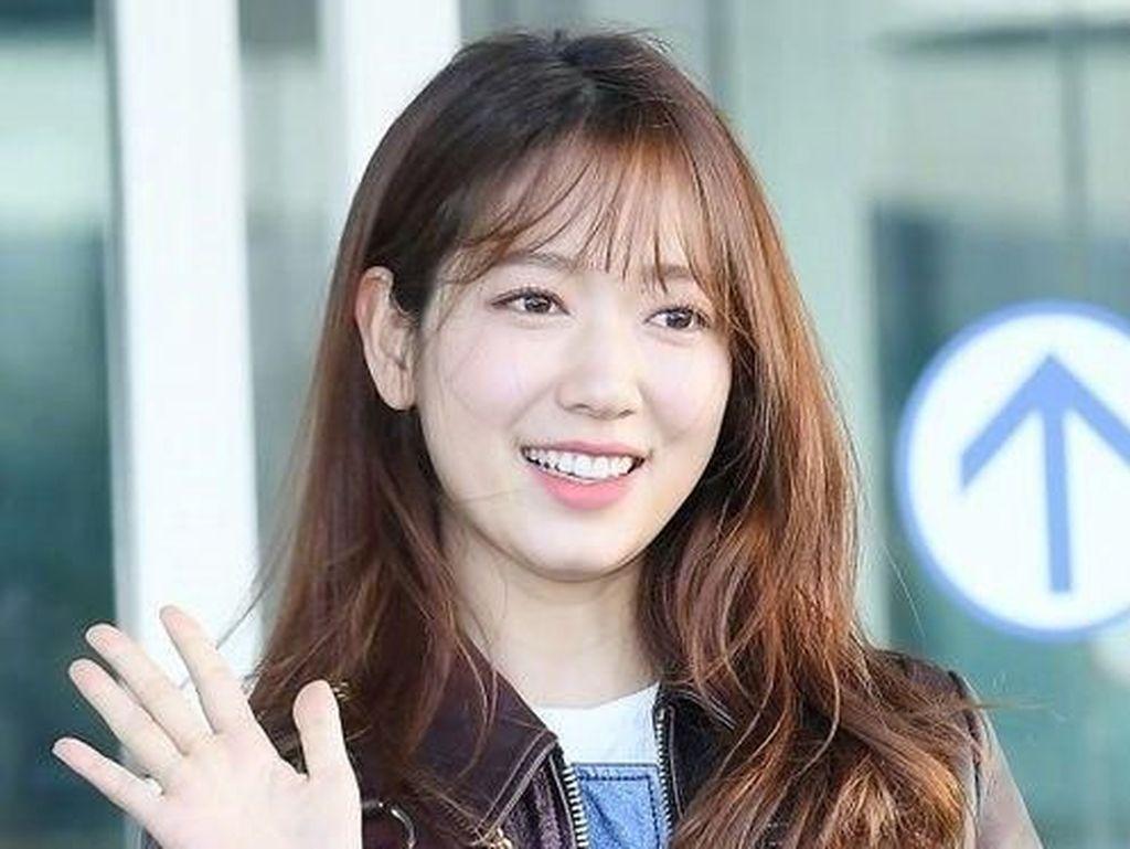 Ini Penampilan Baru Park Shin Hye Potong Rambut Drastis Setelah 8 Tahun