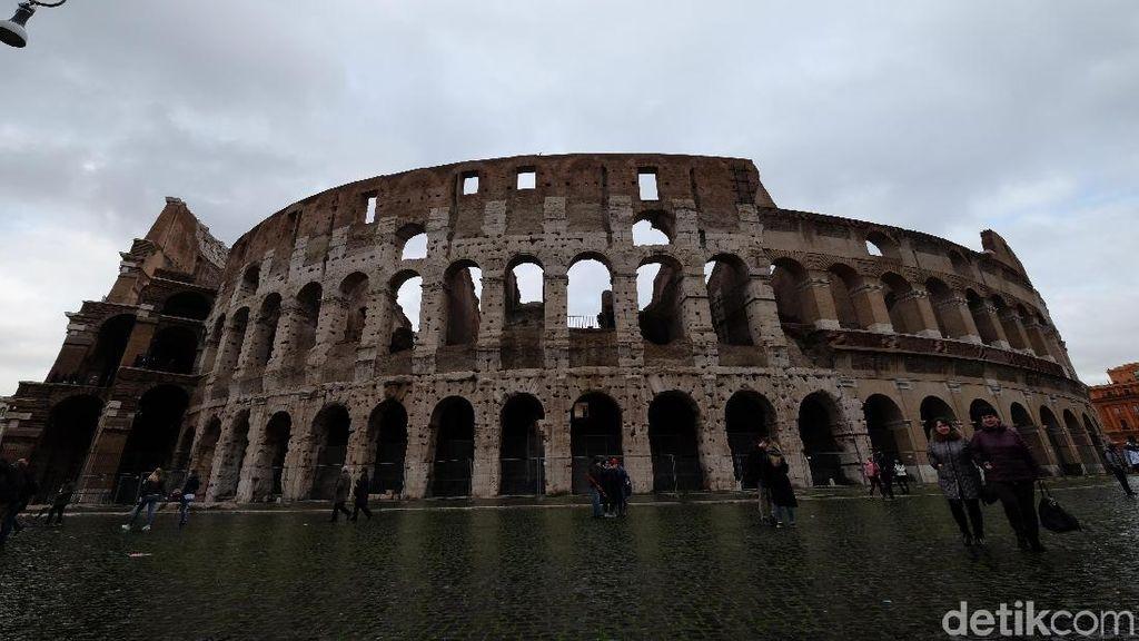 Mengintip Isi Perut Colloseum Roma