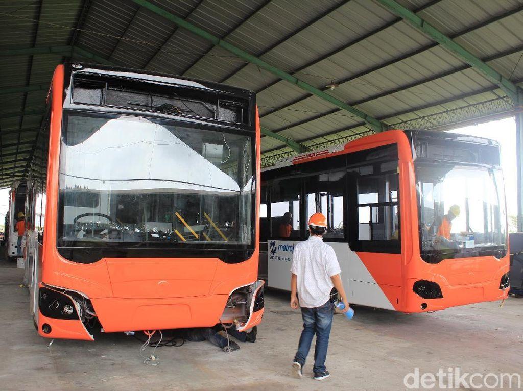 Bus TransJakarta dari Bahan Aluminium Lebih Mahal Rp 30 Juta