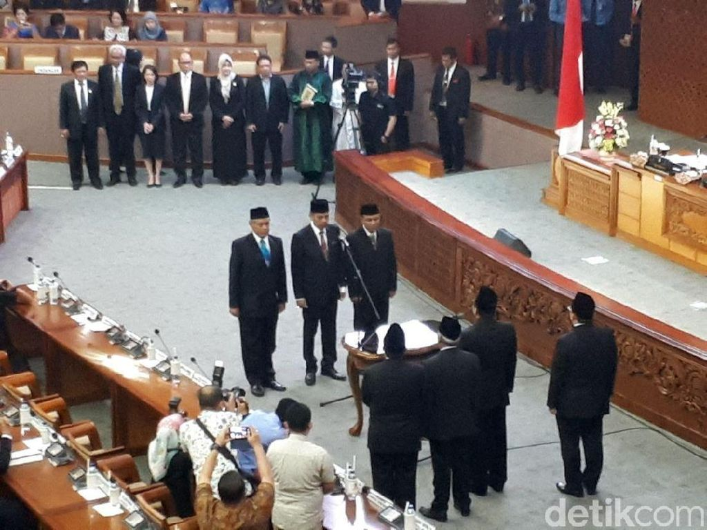 Bamsoet Lantik Sekjen PD Hinca Panjaitan Jadi Anggota DPR