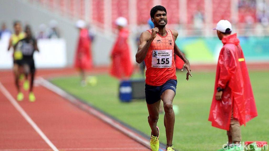 Pelari India Jinson Johnson Juara Lari 800 Meter Putra