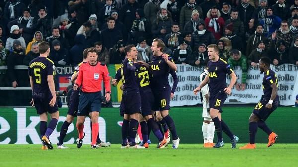 Torehan Spurs, Torehan Kane di Turin