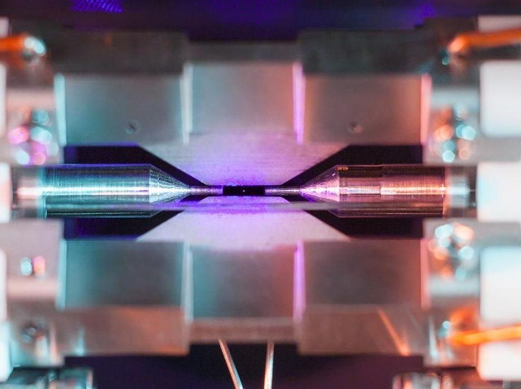 Ini Foto Atom Tunggal Jepretan Kamera Biasa Mahasiswa Oxford