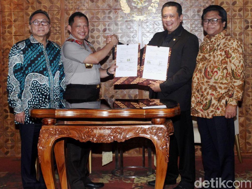Polri, DPR, MPR dan DPD Teken MoU Keamanan Kompleks Parlemen