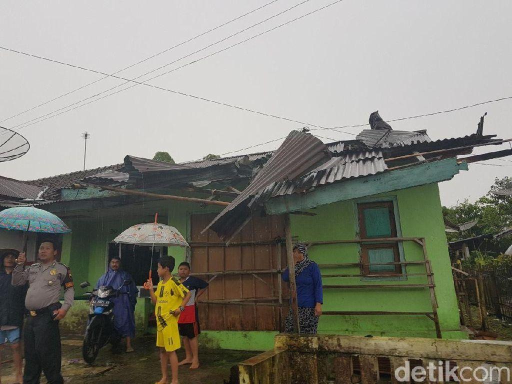 Atap Rumah dan Gedung SMA di Wonosobo Rusak Akibat Angin Kencang