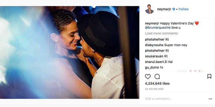 Pemain Paris Saint-Germain Neymar mendedikasikan ucapan selamat hari Valentine untuk kekasihnya tersayang Bruna Marquezine. (Foto: Internet)