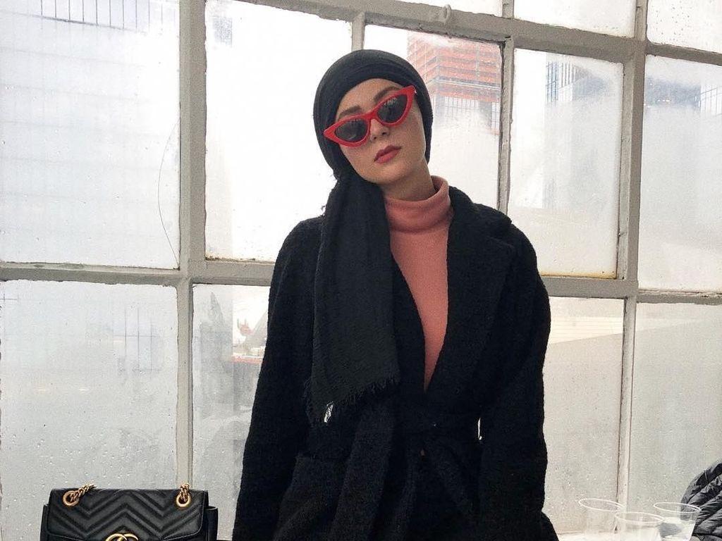10 Gaya Selebgram Hijab yang Hadir di New York Fashion Week 2018
