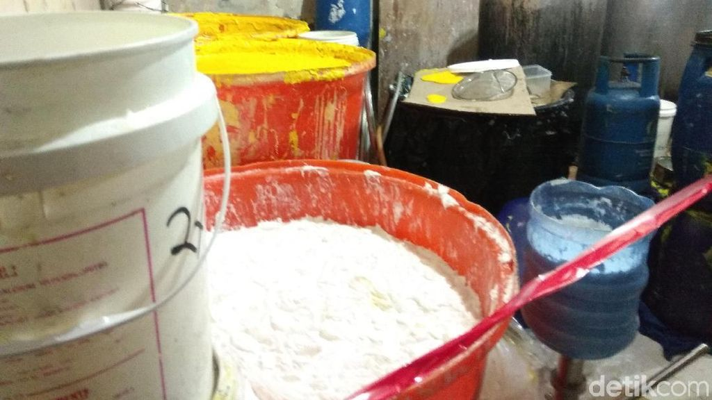 Foto Pabrik Kosmetik yang Ditutup BPOM, Barang Bukti Rp 2,5 Miliar
