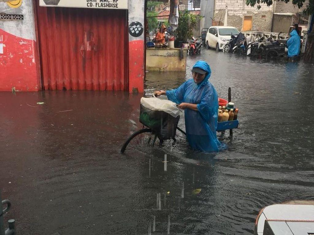 18 Kelurahan dan 53 RW di Jakarta Terdampak Banjir Siang Ini