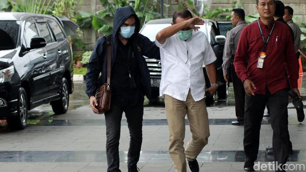 4 Orang yang Kena OTT Lampung Tengah Tiba di KPK
