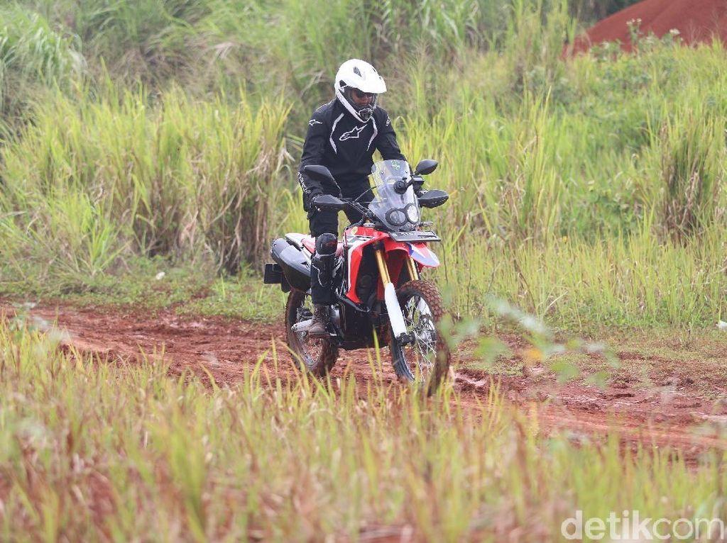 Si Jangkung Honda CRF250 Rally