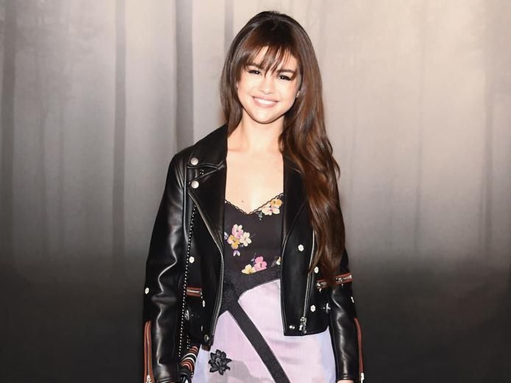 Foto: Deretan OOTD Selebriti yang Tampil Stylish di New York Fashion Week
