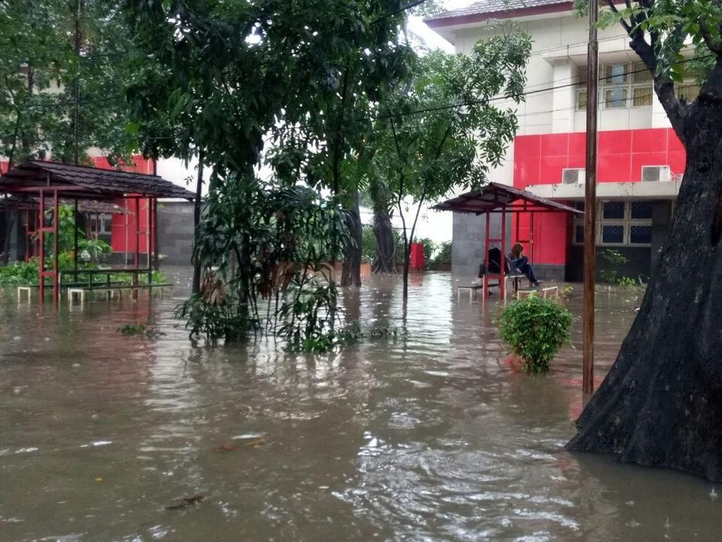 Penampakan Kampus UNJ yang Sempat Terendam Banjir