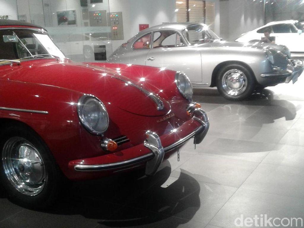 Punya Porsche Klasik? Di Sini Tempat Servisnya