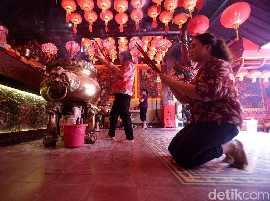 Foto: Perayaan Imlek di Vihara Dhanagun Bogor