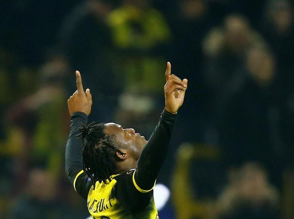 Foto: Batshuayi Si Batsman Selamatkan Dortmund