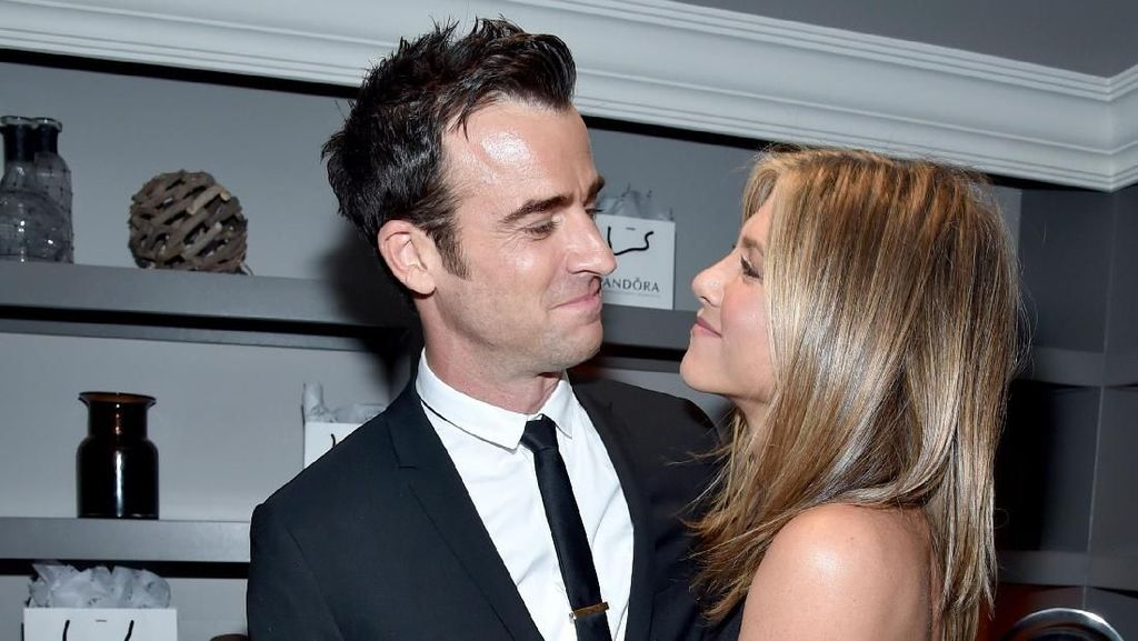 Broken Heart! 10 Kemesraan Jennifer Aniston dan Justin Theroux Sebelum Pisah
