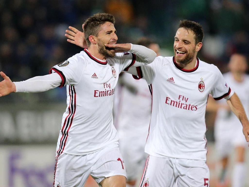 Foto: Milan Menang Telak di Liga Europa
