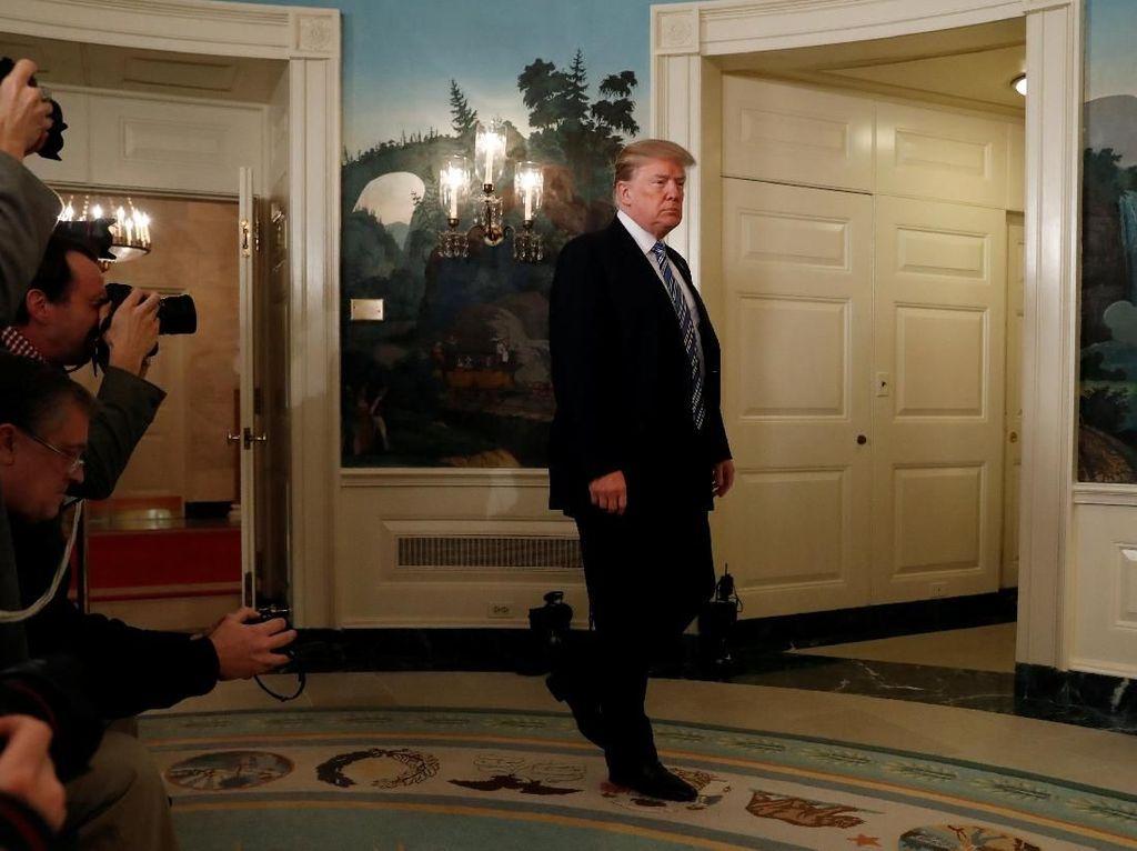 Ekspresi Trump Saat Bahas Penembakan Florida Tanpa Singgung Senjata