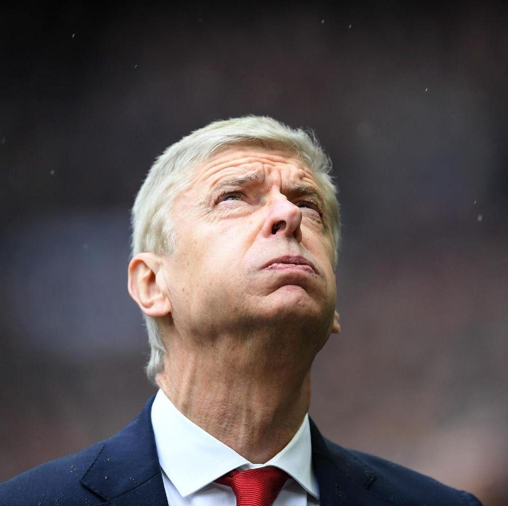 Tekad Para Pemain Arsenal Persembahkan Trofi buat Wenger