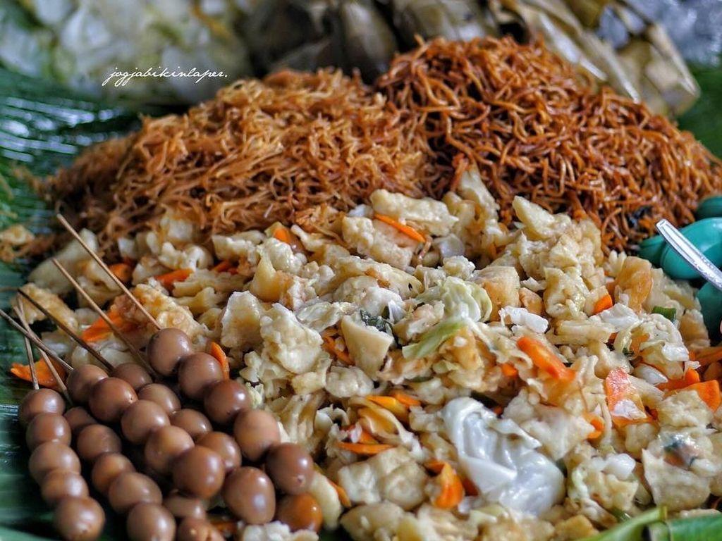 Jalan-jalan ke Pasar Beringharjo Jangan Lupa Cicip 8 Jajanan Enak Ini