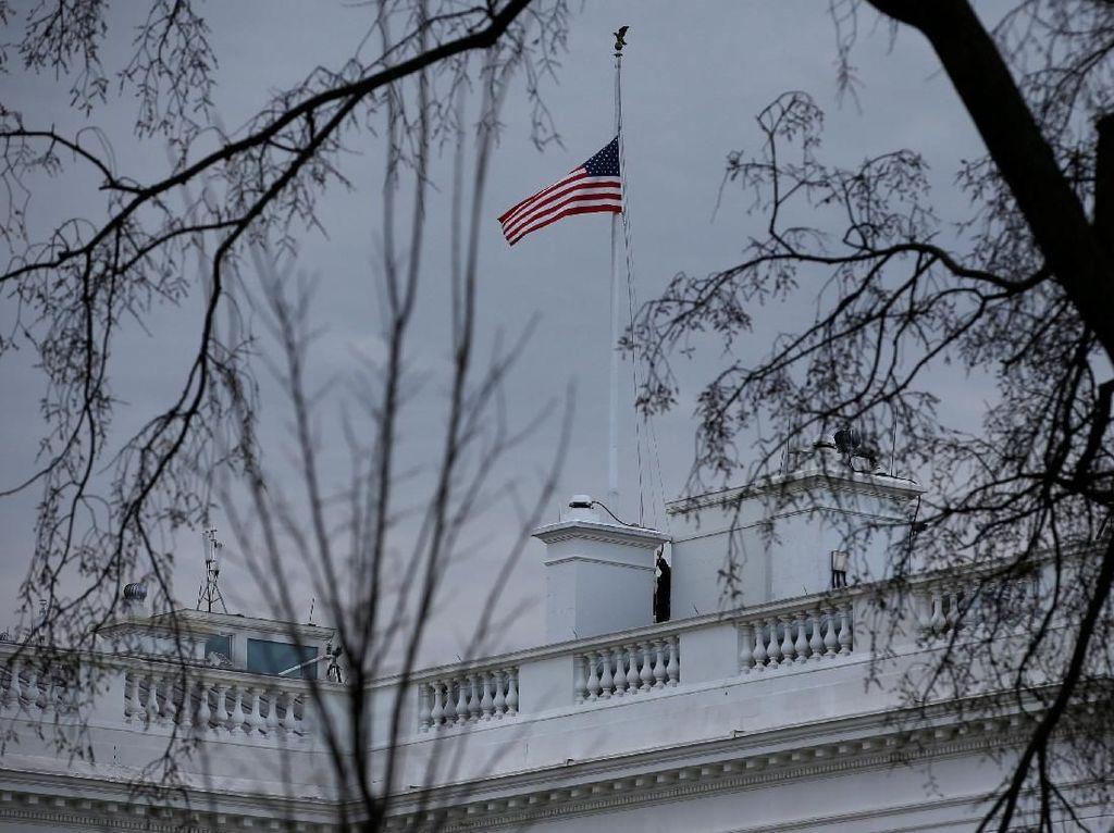 Nekat Tembak Diri Sendiri di Depan Gedung Putih AS, Pria Ini Tewas