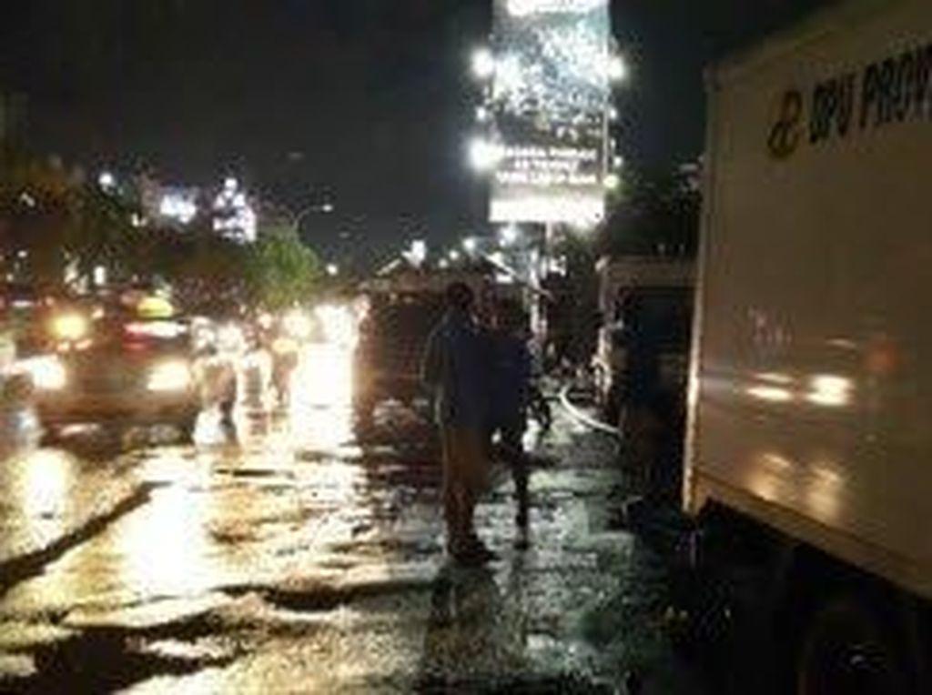 Air Disedot, Banjir di Jalan Boulevard Kelapa Gading Surut