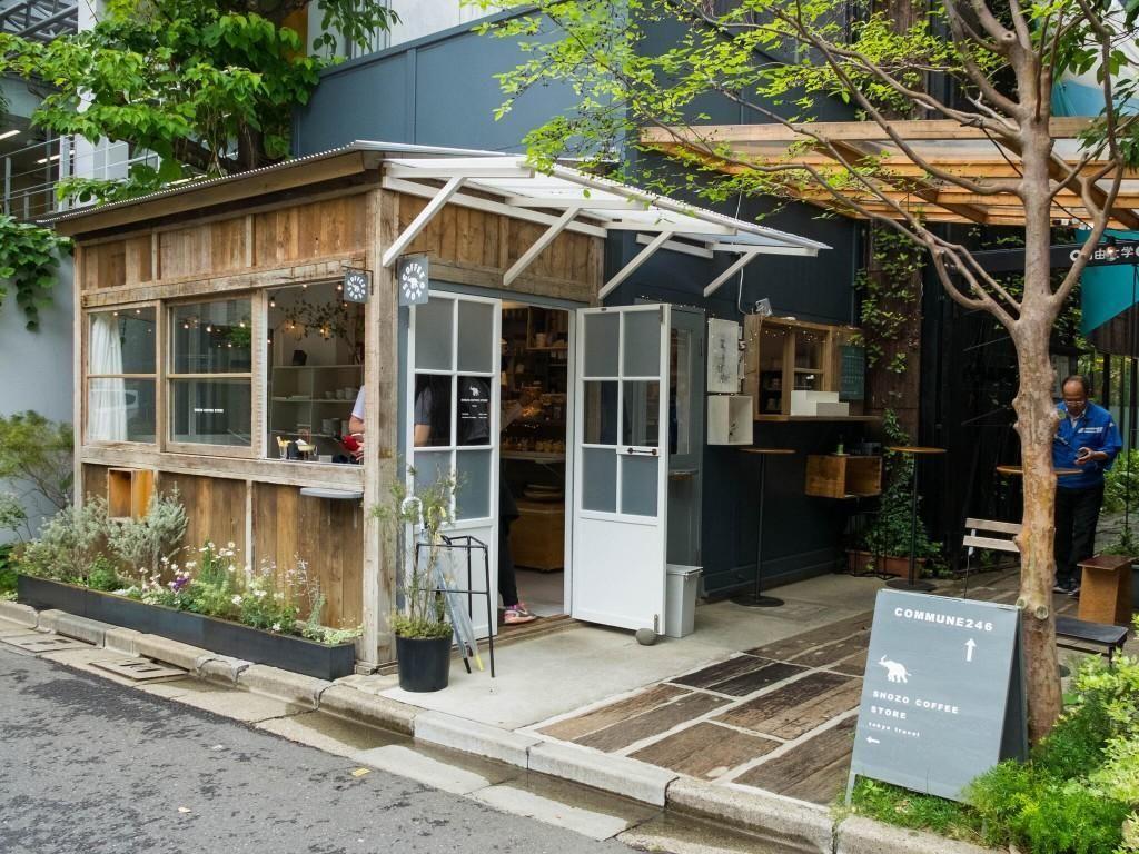 Di Kedai Kopi Mungil Dekat Stasiun Ini Ada Cafe Latte dan Scone Matcha yang Enak