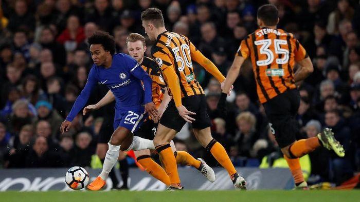Chelsea membuat start brilian. Willian mencetak gol kilat saat laga belum genap berjalan dua menit untuk membuka skor pertandingan. (Foto: Eddie Keogh/Reuters)