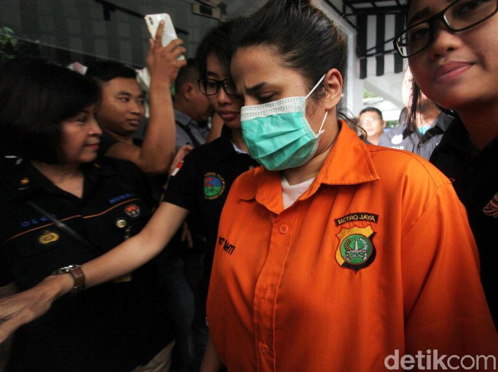 Putri Elvy Sukaesih Dhawiya Jadi Tersangka Kasus Sabu