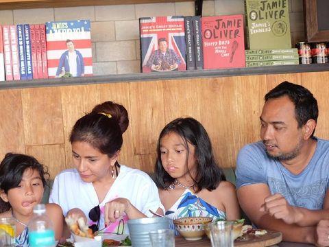 Meisya dan keluarganya/