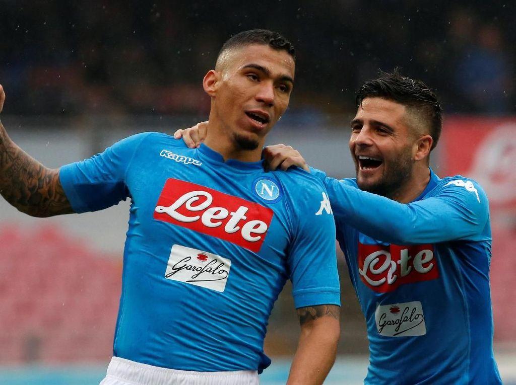 Kalahkan SPAL, Napoli Kembali Kuasai Klasemen Sementara