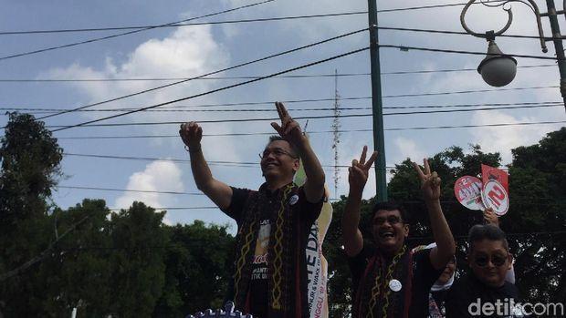 Deklarasi Kampanye Damai, 2 Cagub Sumut Diarak Mobil Keliling Medan