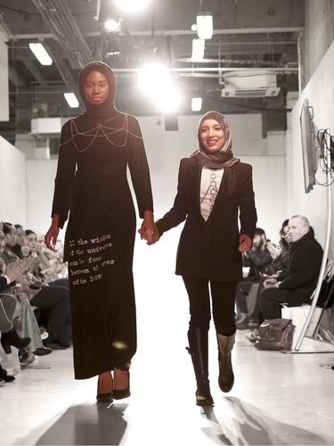 Dian Pelangi, Ria Miranda, dan Jenahara Fashion Show Bareng di London