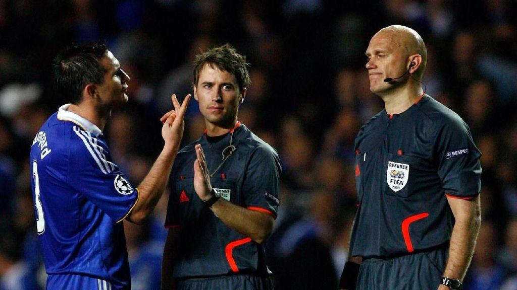Ovrebo Mengaku Lakukan Kesalahan di Laga Chelsea vs Barca Tahun 2009