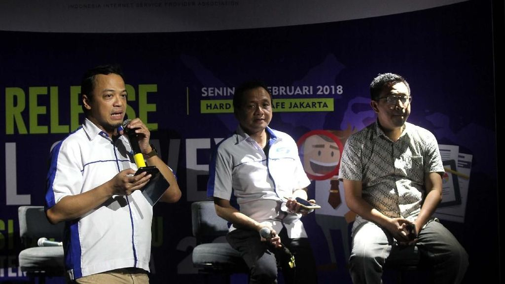 Survei Penetrasi dan Perilaku Internet di Indonesia