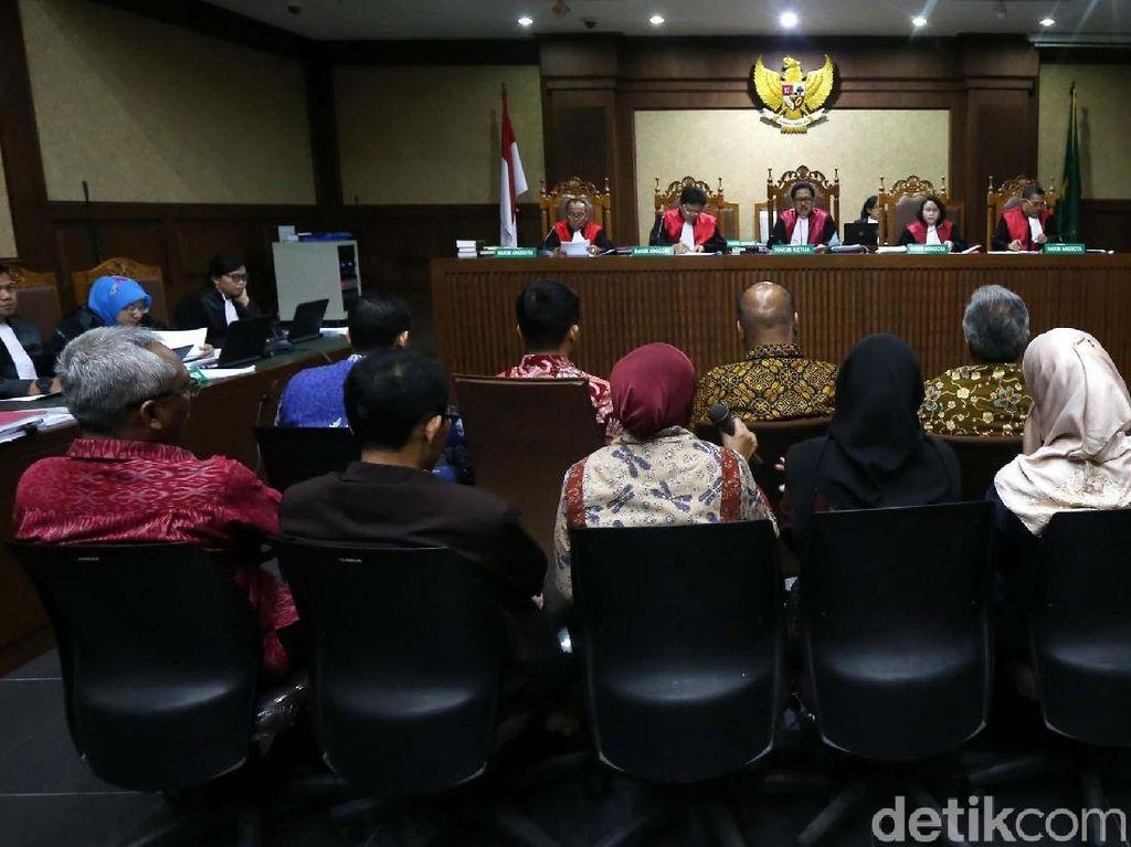 Jaksa Tanya Politikus PDI: Pernah Terima Ransel Isi CD di Rumah?