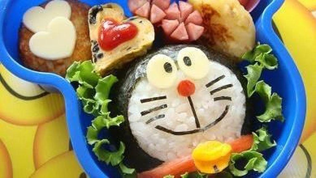 Bernostalgia dengan 8 Makanan Enak Berbentuk Kartun Doraemon