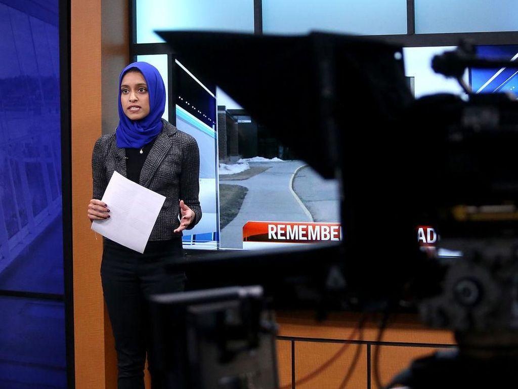 Ini Hijabers Pertama yang Jadi Pembawa Acara Berita di AS