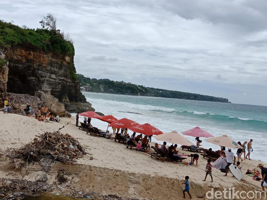 Pantai Dreamland Bali yang Jadi Pilihan, Walau...