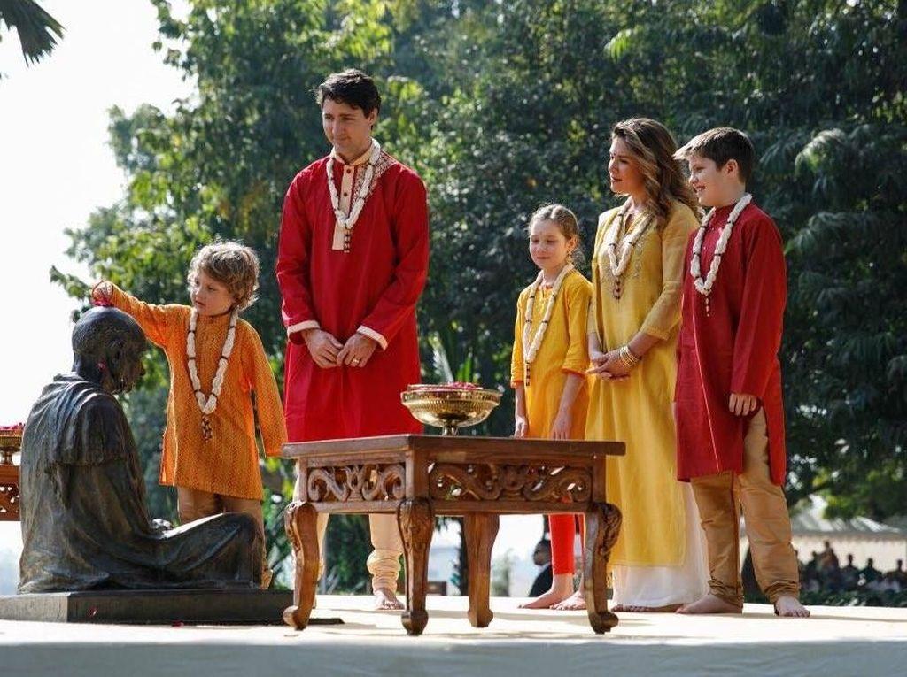 Kompaknya PM Kanada dan Keluarga Kunjungi Tempat Mahatma Gandhi