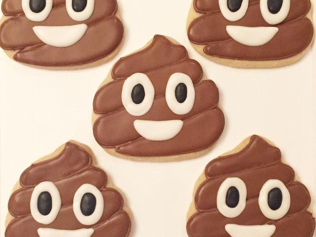 Makna Emoji Poop yang Sering Digunakan Netizen