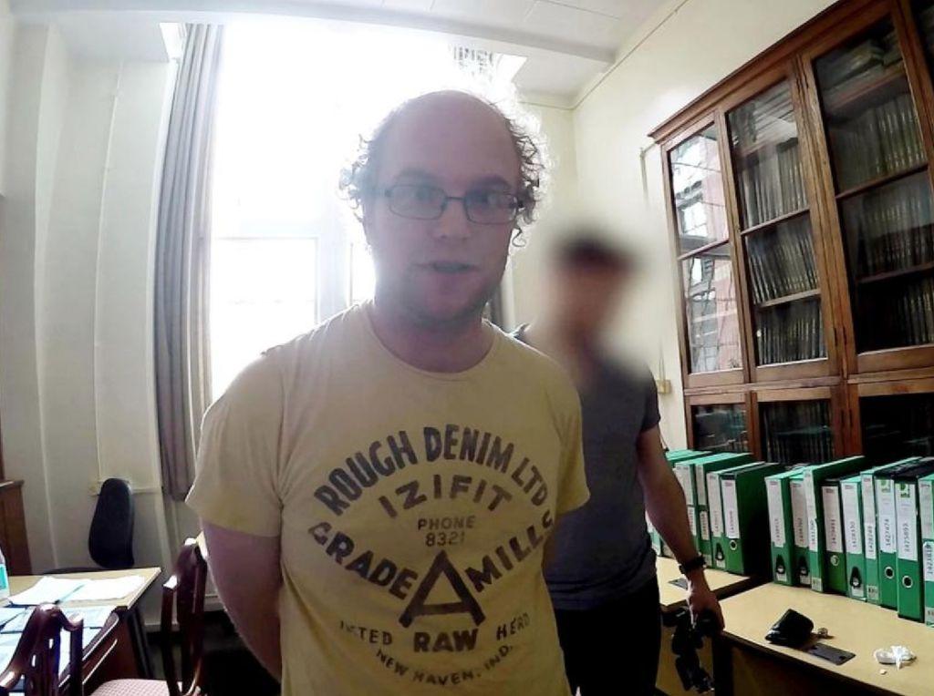 Dr Falder, Lulusan Cambridge yang Divonis 32 Tahun Bui di Kasus Pedofil