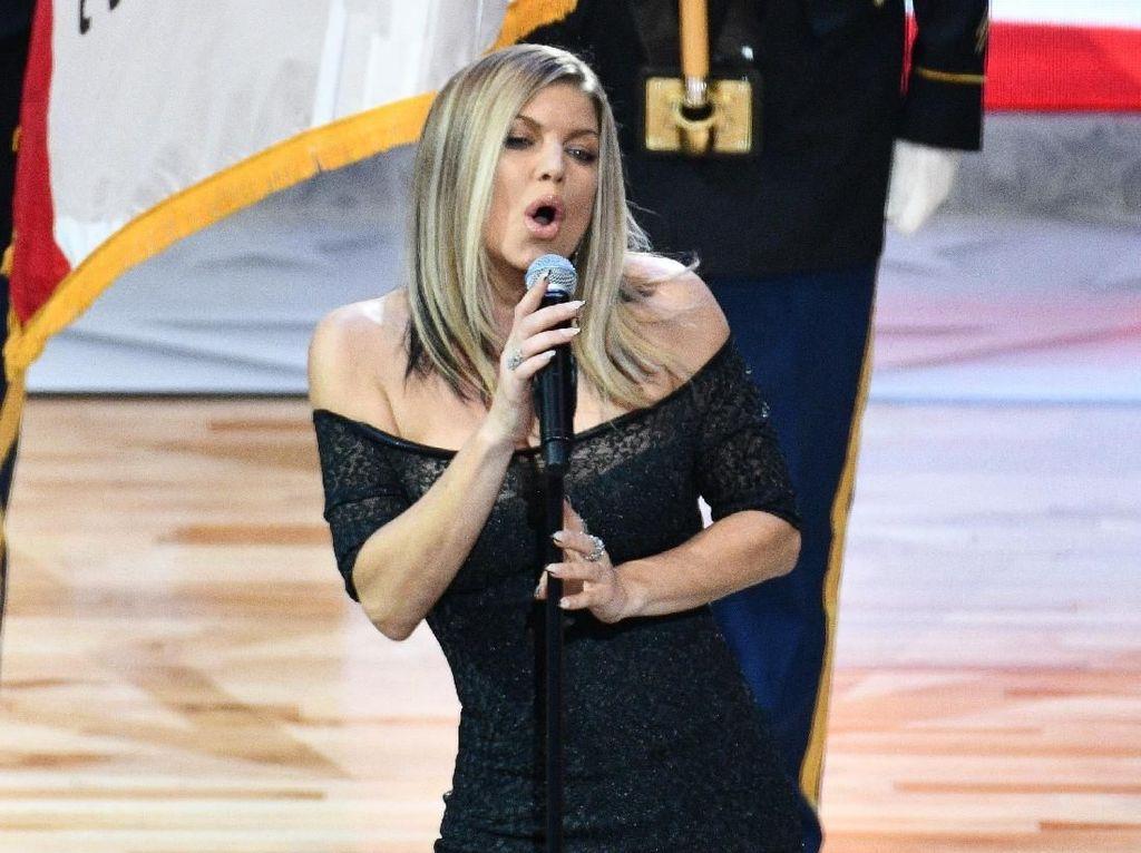 Fergie Gabung Lagi ke Black Eyed Peas?