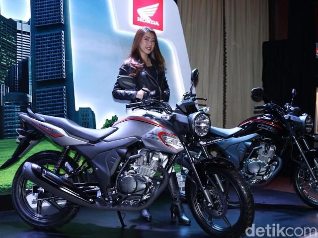 Foto: Honda CB150 Verza Tampil Segar
