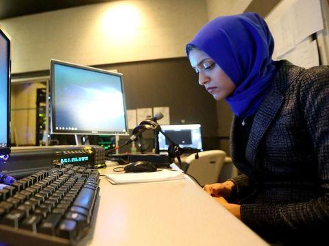 Ini Hijabers Pertama yang Jadi Pembawa Berita di AS