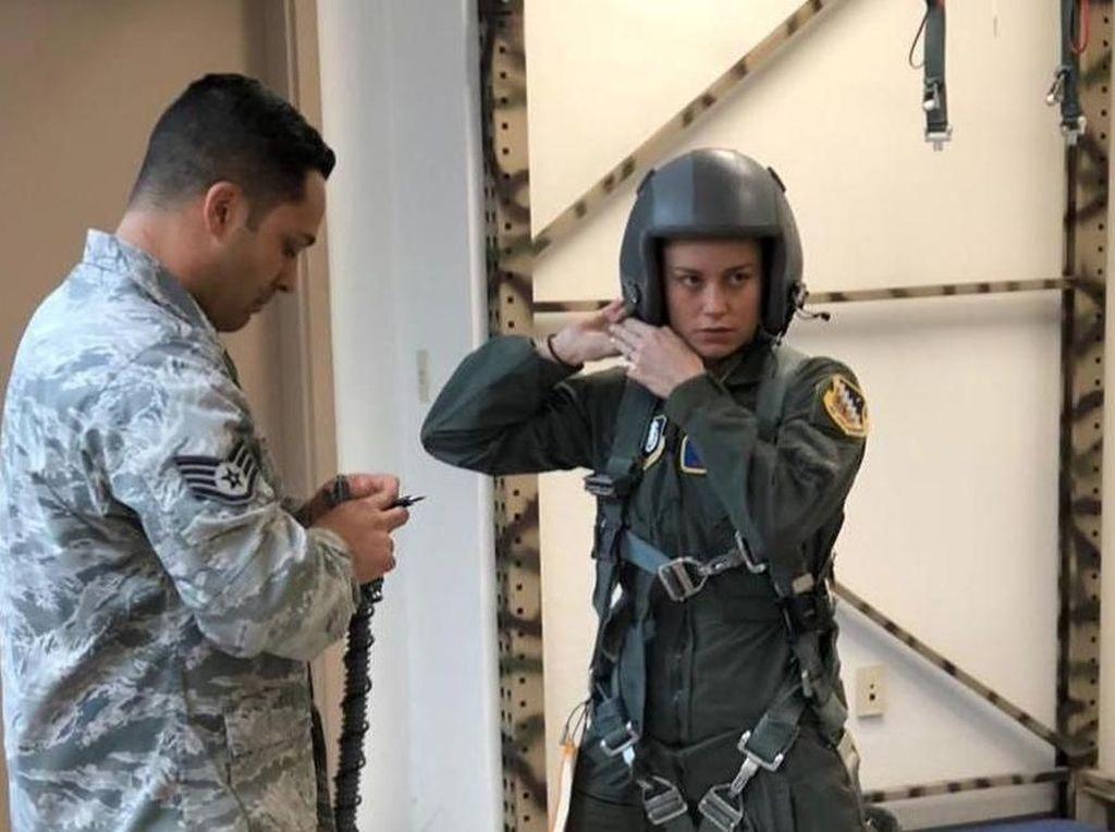 Brie Larson Belajar Jadi Pilot Jet di Captain Marvel
